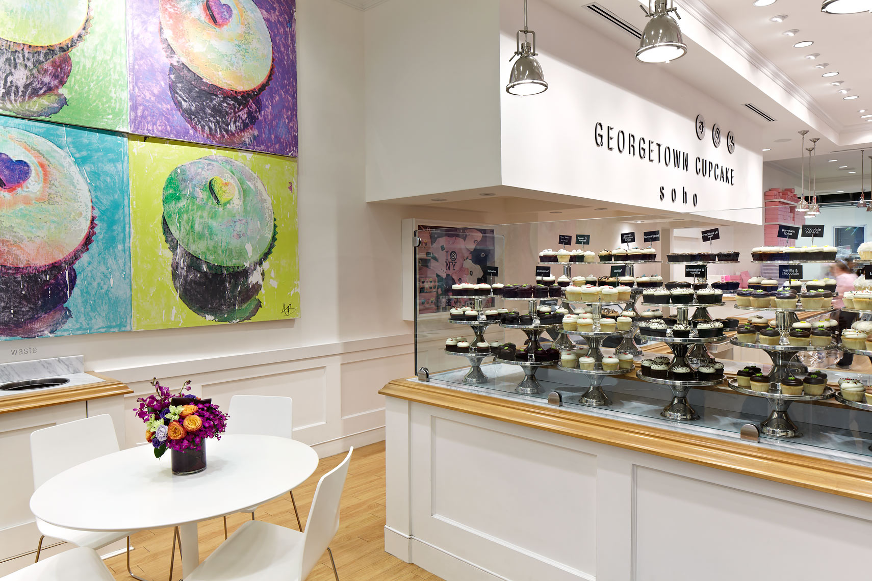 FOOD-Bakery1a-Georgetown-Cupcake